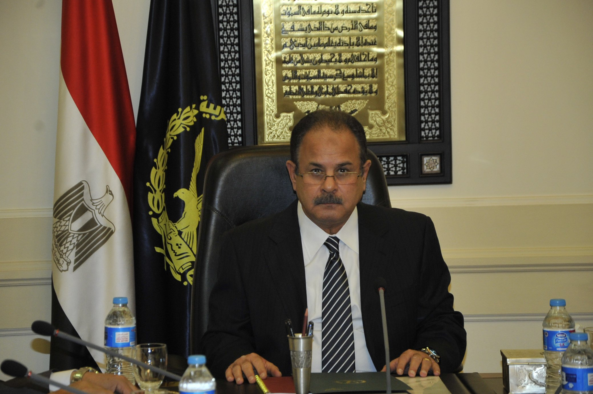 وزير الداخلية يقرر إبعاد 9 أجانب خارج البلاد لأسباب تتعلق بالصالح العام