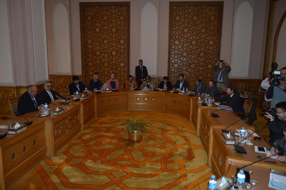وزير الخارجية يعقد لقاء موسعًا مع ممثلي الصحف ووكالات الأنباء العالمية