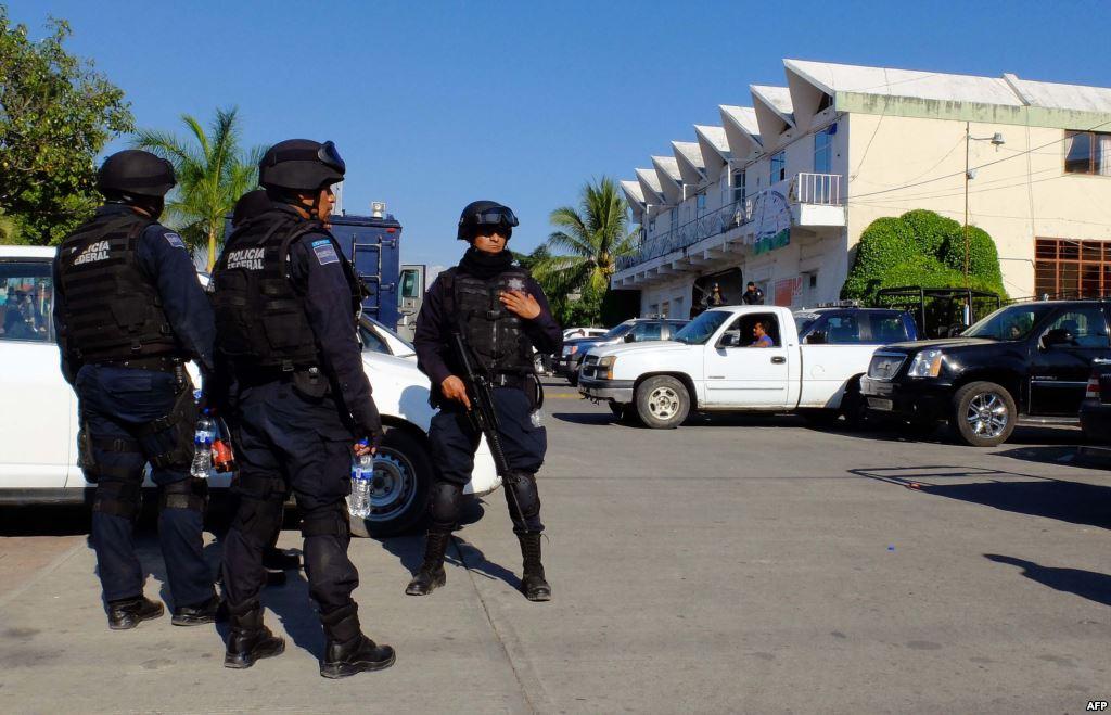اعتقال مصمم أزياء بالمكسيك مطلوب فى قضية رشوة