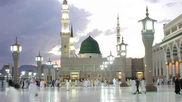 المسجد النبوي..قبلة العشاق والمحبين للسلام على سيد الخلق أجمعين