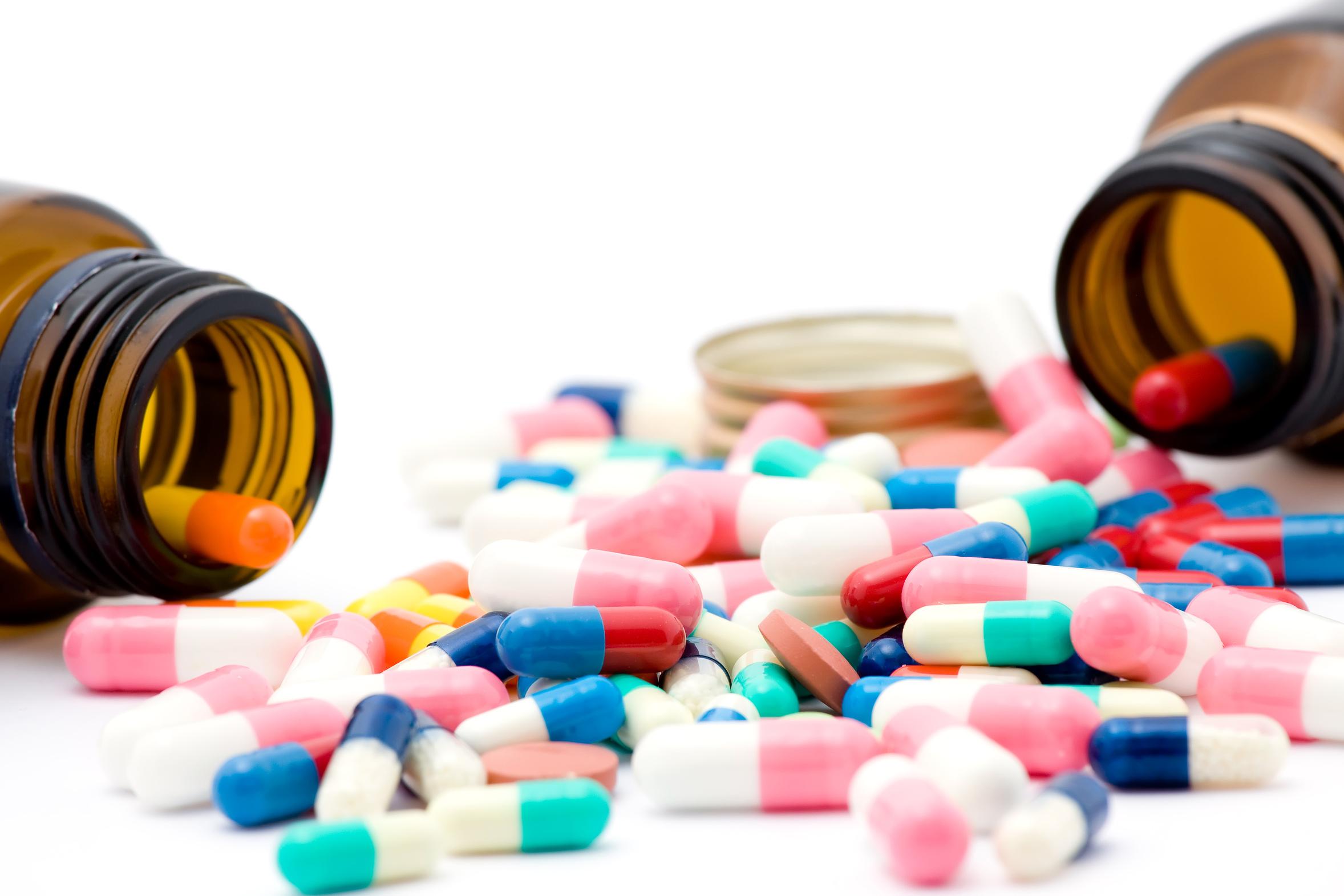 تقرير طبي يدعو الفرنسيين لتجنب 79 دواءً ضررها أكثر من نفعها