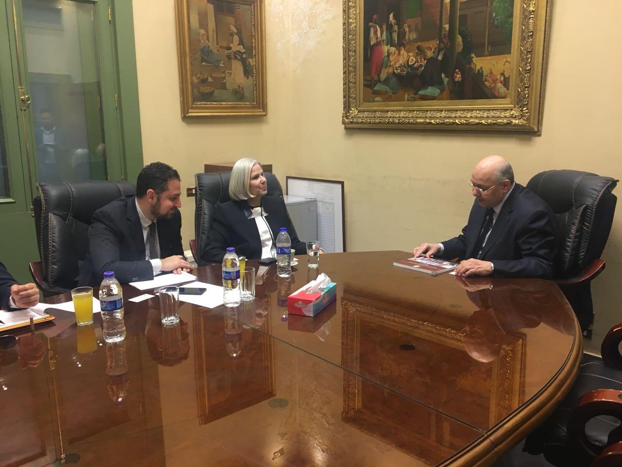 بالصور  موسى مصطفى موسى يلتقى بالسفيرة هيفاء أبو غزالة