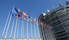 الاتحاد الأوروبي يوافق على خطط 12 دولة للتعافي الاقتصادي