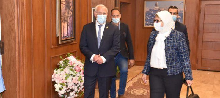 صور | وزيرة الصحة تصل بورسعيد للمشاركة بالملتقى الأول لهيئة الرعاية الصحية